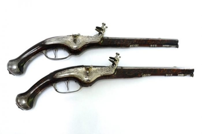 pair-bohemian-wheellock-pistols-hans-keiner-eger-1670-gary-friedland-antique-arms-armor (1)